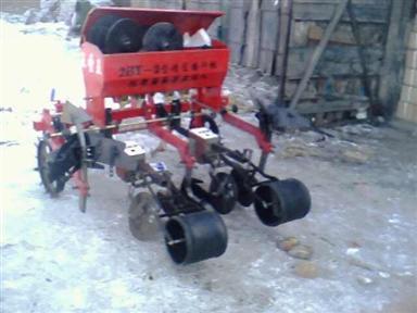 2BJ-2型精密播种耕作机:哈尔滨鸿勃农业机械经销处